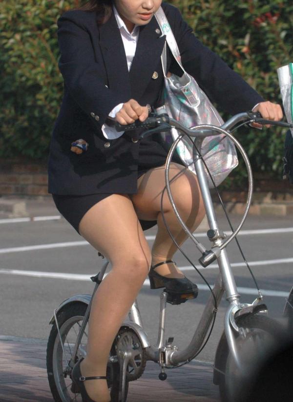 自転車パンチラ画像 45
