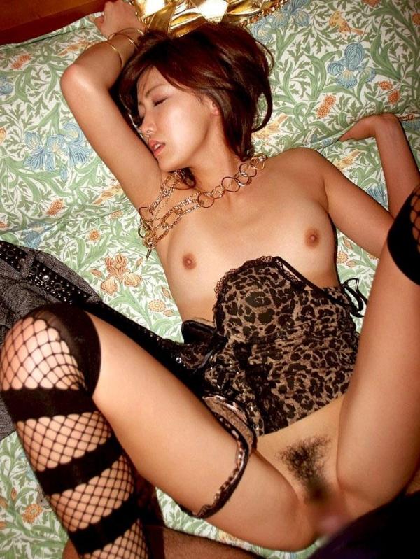 着衣セックス画像 27