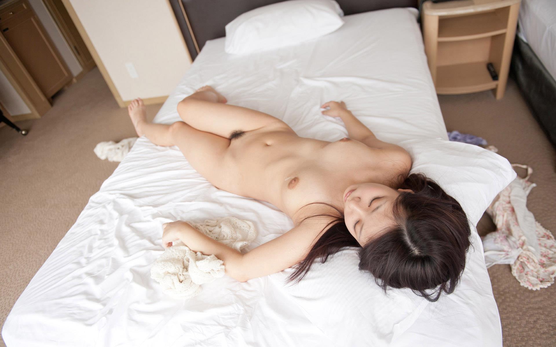 【無修正・個人撮影】不倫旅行で訪れた旅館で人妻に浴衣を