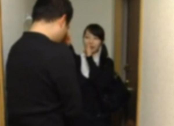 【朗報】 D T オ ナ ニ ー ト の俺の部屋に 宗 教 勧 誘 の 女 が来た結果・・・・