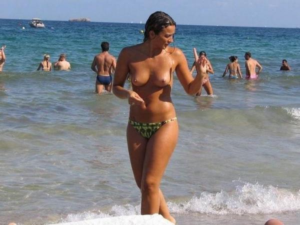 ヌーディストビーチ画像 23