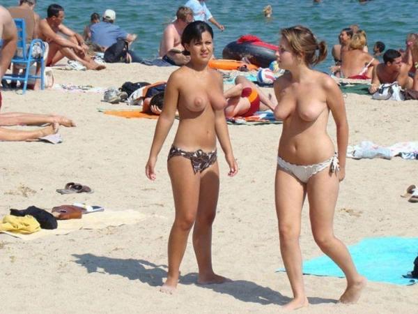 ヌーディストビーチ画像 35