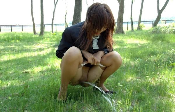 野外排尿画像 8