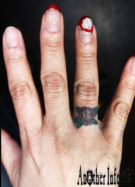 名古屋 タトゥー 刺青 薔薇 指