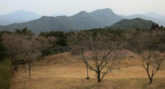 IMG_0036龍ヶ岳から縦走路を望む