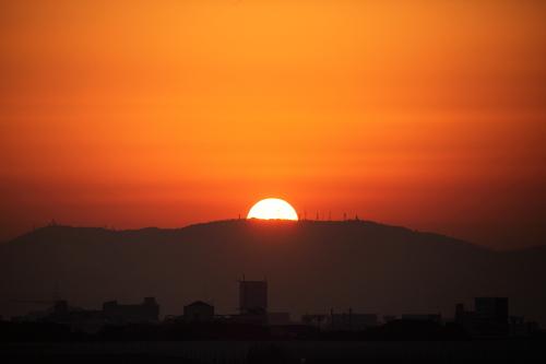 伊丹の日の出