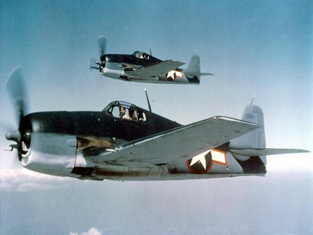 Hellcats_F6F-3,_May_1943_R