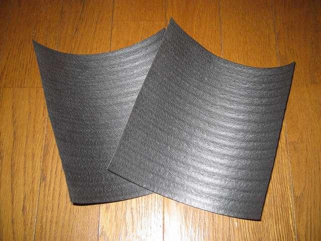 Antec Three Hundred Two AB 振動対策、敷石 鉄平石 ピンコロ 石材 とっても綺麗なイエロー鉄平石 st13  PC ケース天板設置用に余っていた備長炭シートを再利用、敷石のサイズに合わせて 20cm 角にカット