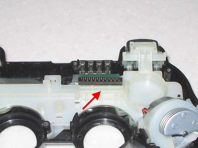 DS3 Dualshock3 デュアルショック3 Wireless Controller Black CECHZC2J A1 誤作動対策(Random Button Error Fix)、取り外したフレキシブル基板の接点シートの下の長方形のプラスチック枠に接点を押させるため適当なものを詰め込む