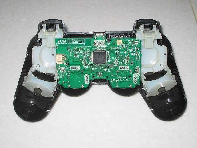 PS3 コントローラーのメンテナンス後に元通りに組み立てました その1