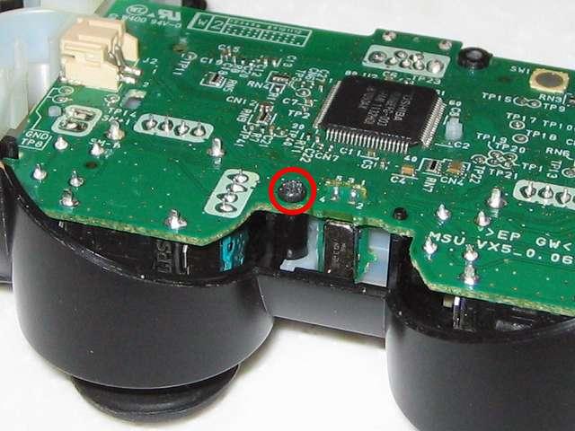 DS3 Dualshock3 デュアルショック3 Wireless Controller Black CECHZC2J A1 組み立て作業、電子回路基板のネジ穴にネジ止めをしたところ