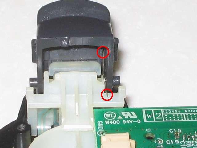 DS3 Dualshock3 デュアルショック3 Wireless Controller Black CECHZC2J A1 組み立て作業、L2・R2 ボタン取り付け後、L2・R2 ボタンのバネを画像のような位置になるようにする
