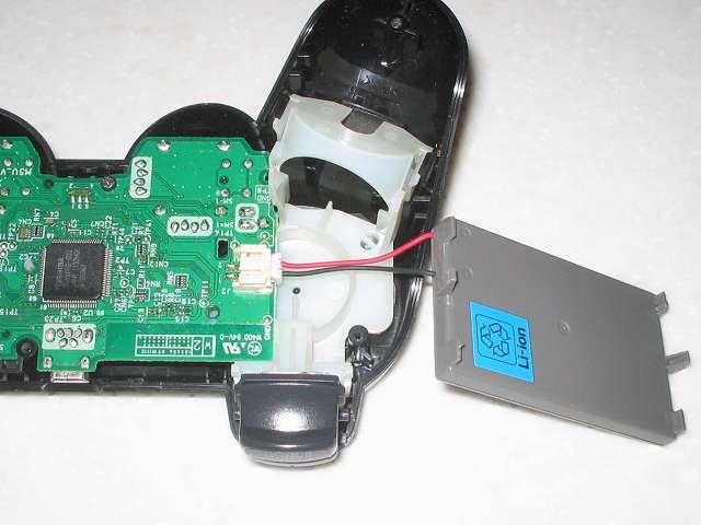 DS3 Dualshock3 デュアルショック3 Wireless Controller Black CECHZC2J A1 組み立て作業、リチウムイオンバッテリーのリード線コネクタを電子回路基板に接続