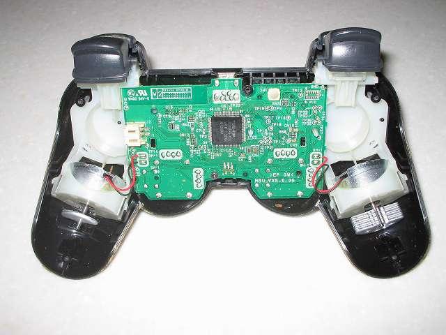 DS3 Dualshock3 デュアルショック3 Wireless Controller Black CECHZC2J A1 分解作業、リチウムイオンバッテリー取り外し後電子回路基板