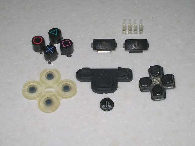 DS3 Dualshock3 デュアルショック3 Wireless Controller Black CECHZC2J A1 の各種ボタンパーツとラバーパッドとポートランプ(撮影時十字キーのラバーパッドは入れ忘れたためなし)