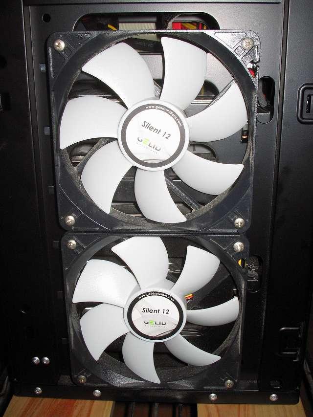 Antec Three Hundred Two AB 振動対策 PCケースフロントファン GELID Silent12 下段側のファンにも Ainex 防振ゴムワッシャー MA-024 を追加で取り付けて元の場所に戻す