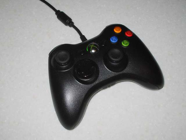 Microsoft Xbox360 有線コントローラー Xbox 360 Controller for Windows リキッド ブラック 52A-00006 分解作業、分解前の状態