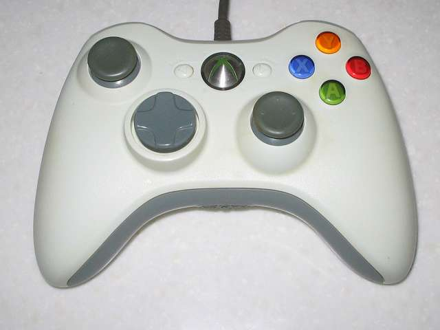 Microsoft Xbox360 有線コントローラー Wired Controller ホワイト 分解作業、分解前