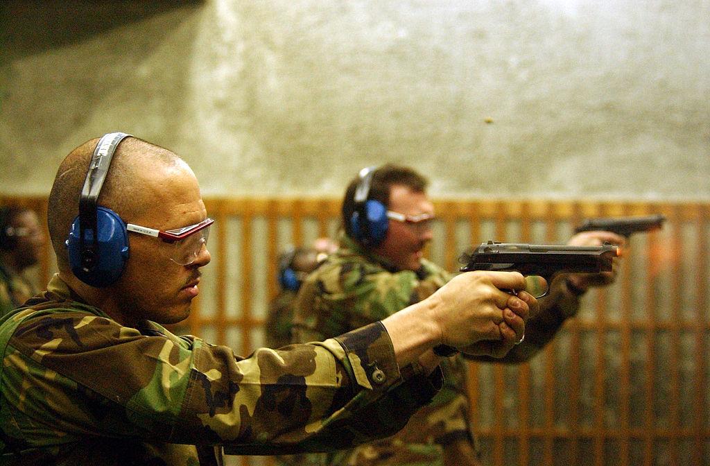 射撃訓練の様子