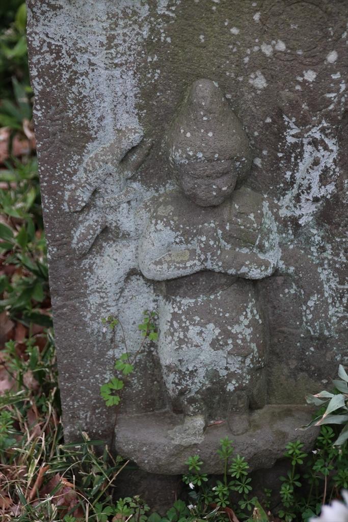 御廟のすぐ前にあった石像_2