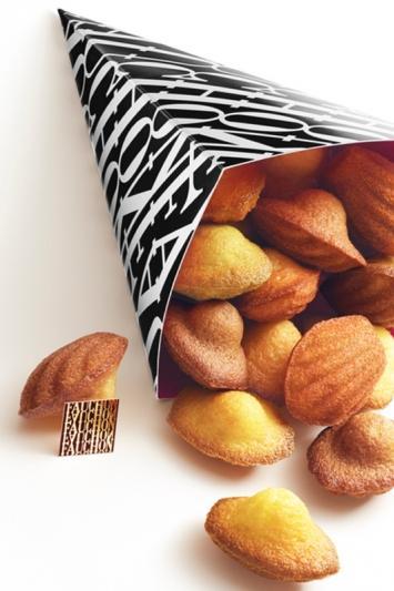 kiosque-madeleines-fauchon-place-de-la-madeleine-paris-8-4136643448.jpg