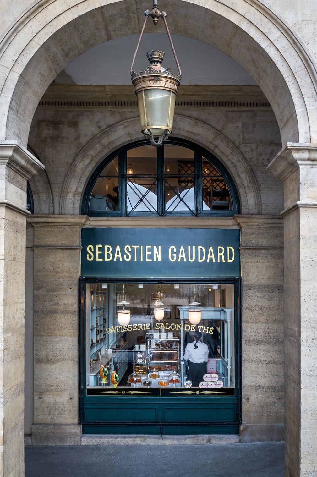 sebastien-gaudard-patisserie-des-tuileries-vitrine-d.jpg