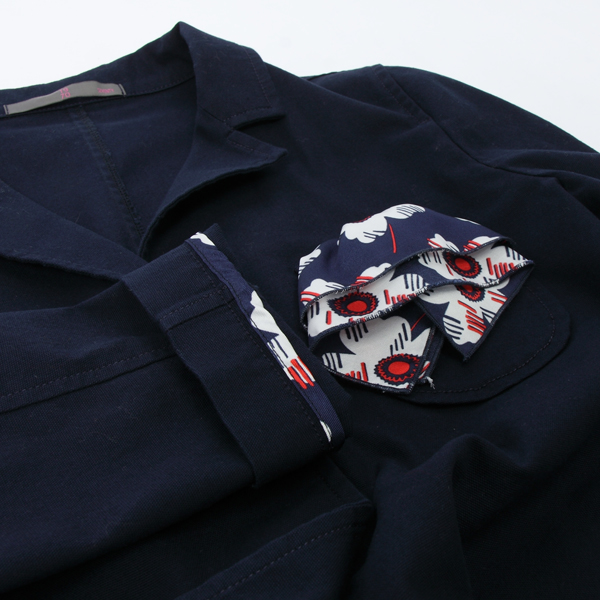 19-70のポケットチーフ付きテーラードジャケット