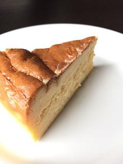 日和田カフェ 北極光 ベークドチーズケーキ