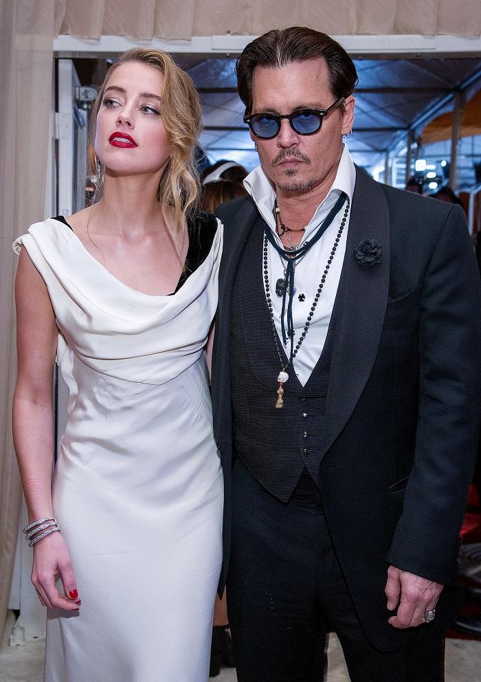 Johnny-Depp-Amber-Heard-Art-Elysium-Gala-2015z.jpg