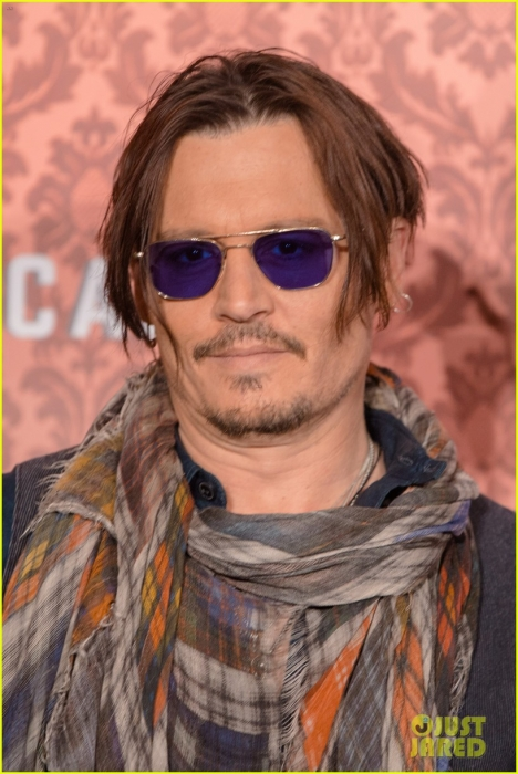 johnny-depp-brings-mordecai-berlin-08.jpg