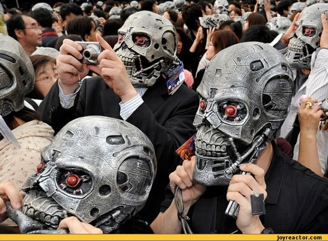 funny-pictures-terminator-mask-photo-371662.jpg