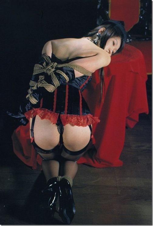 【SM緊縛エロ画像】段々過激になるプレイにも股間を濡らす人妻達23