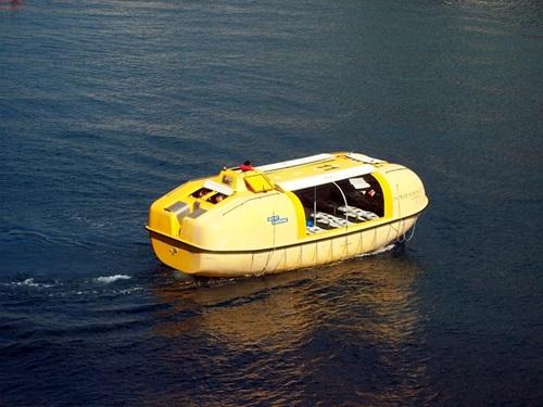 救命ボート