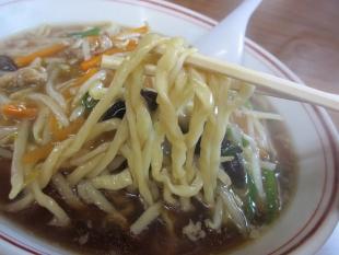 関屋福来亭 萌やしラーメン 麺