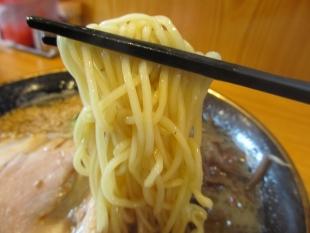 武吉兆 豚骨ラーメン 麺