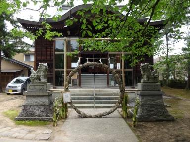 牛坂神社の茅の輪くぐりを