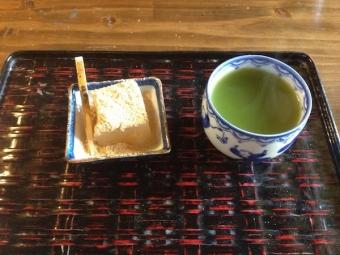 奈良_茶房暖暖_わらび餅のデザート