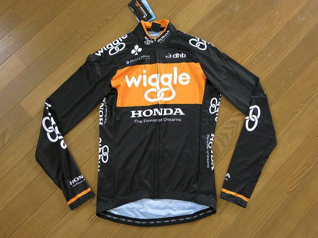 Wiggle_Honda_Long_Sleeve_Jersey_04.jpg