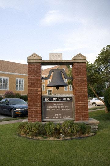 blog 99N Sedan, 1882-1926 First Baptist Church (1887 Bell), KS_DSC1650-9.2.09.(3).jpg